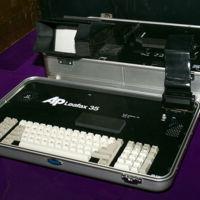 http://physical-electrical-digital.nyufasedtech.com/files/original/5bc0f16d66d75f3e137bbee7a084a5dd.jpg